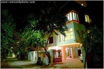 oświetlony dom