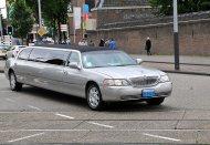 srebrna limuzyna